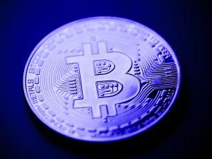Bitcoin Rallies, Less Than USD 300 Left on the Road to USD 10,000 101