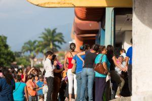 Lines Form Outside Petro-accepting Stores in Venezuela + More News 101