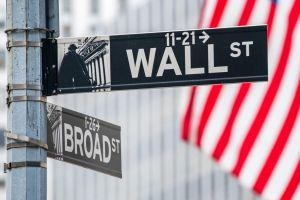 Is Bitcoin Becoming an Alternative For Wall Street Investors? 101