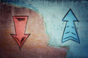 UNI Token Crashes Despite Uniswap's Rise as Largest DeFi Protocol 101