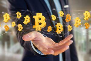 CoinMarketCap distribue gratuitement 10 000$ en Bitcoin avec ce concours de prédiction
