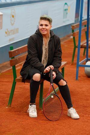 Une joueuse de tennis vend son bras sous la forme d'un NFT 101