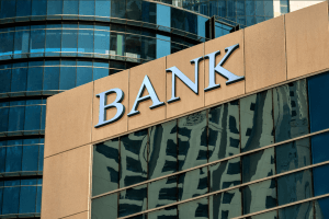 With Banks Turning to Bitcoin, Is It Finally Time to Long the Bankers? 101