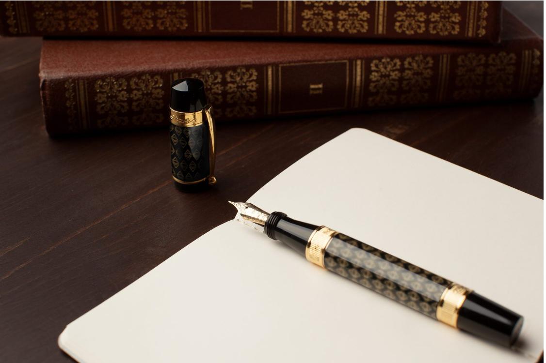 Les stylos siglés sont la nouvelle mode des Cryptos 0001