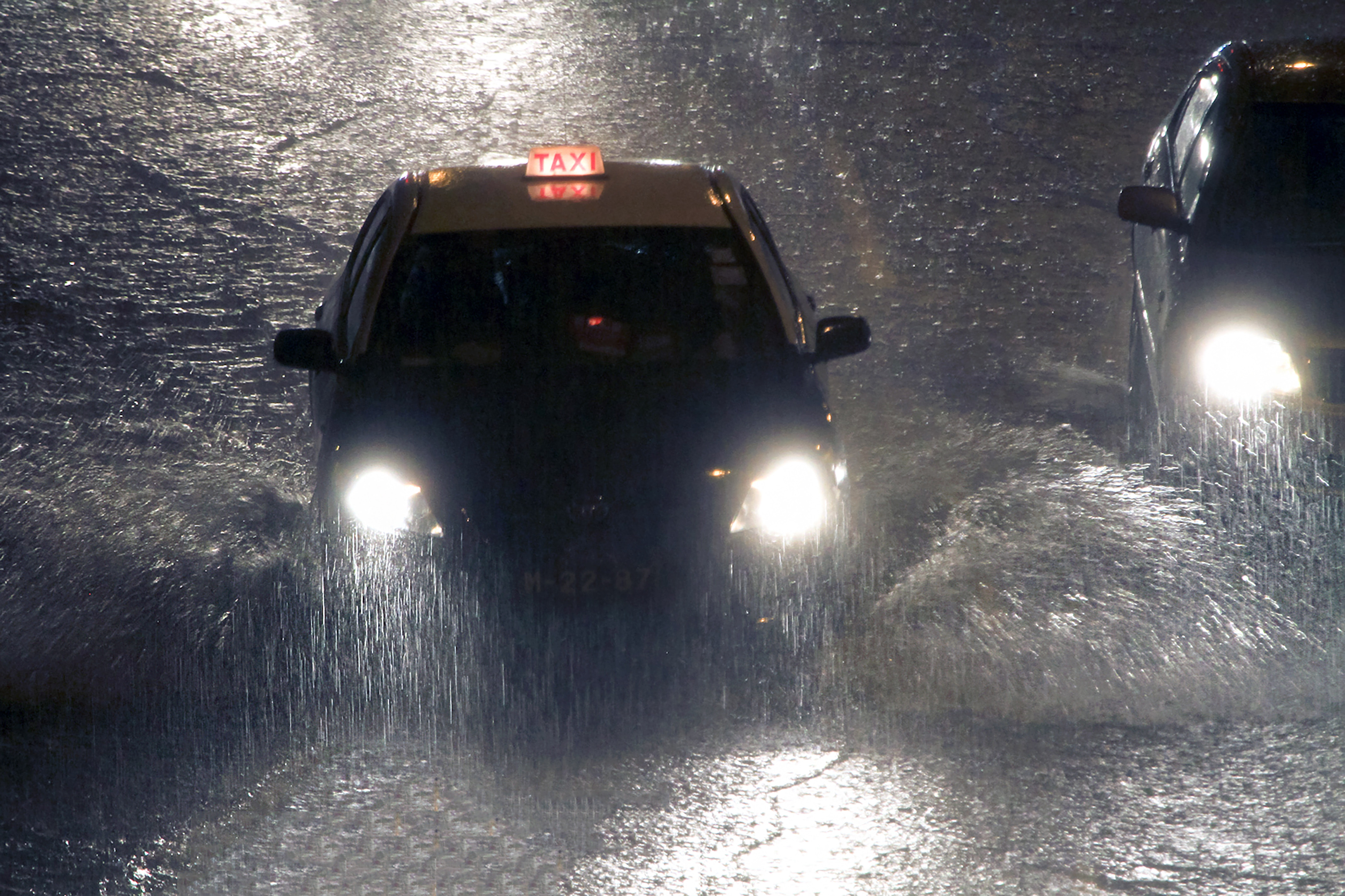 中国的暴雨使比特币最大的矿池哈希率受损高达20% 0001