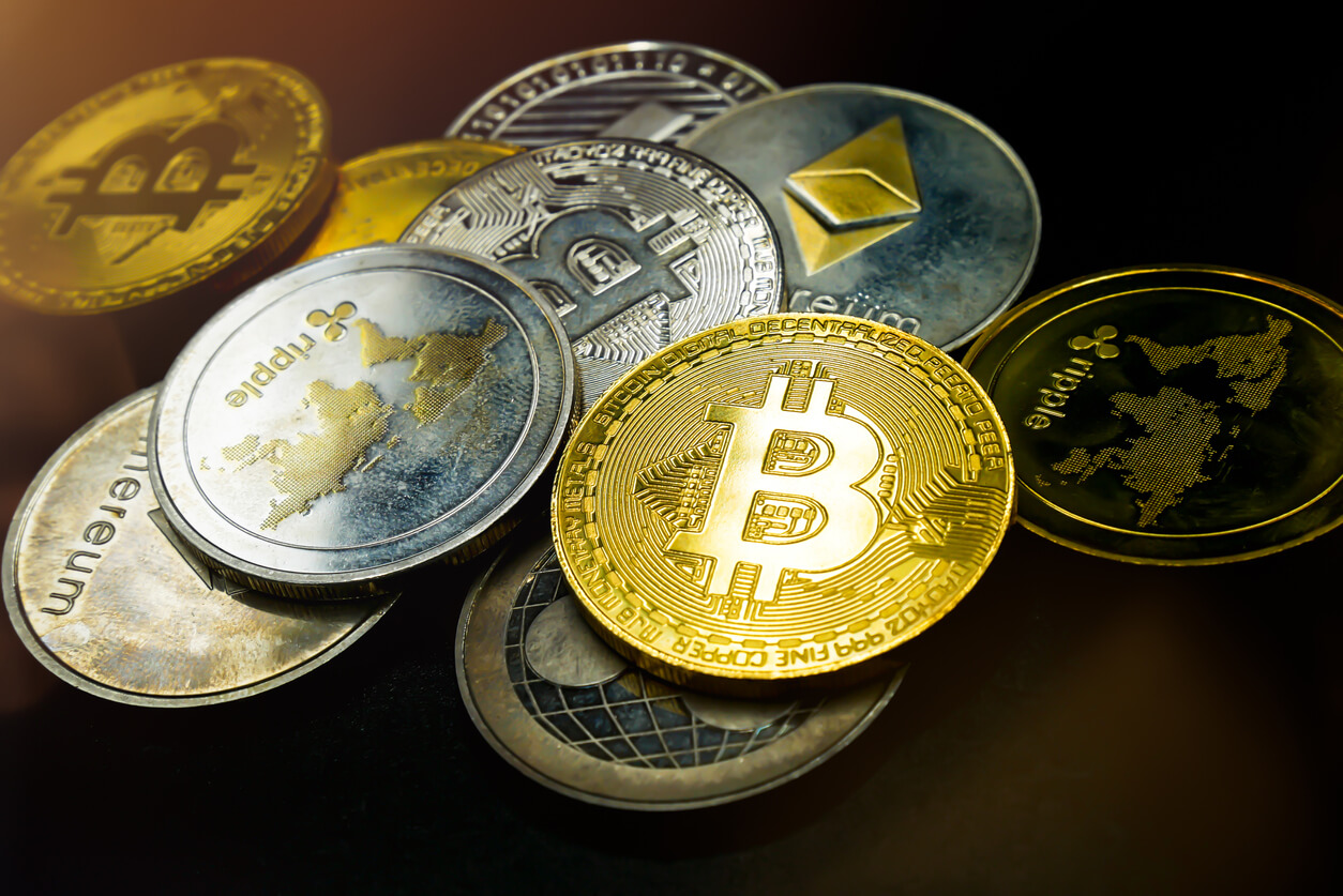 Watch Out, Bitcoin, Altcoins Are Turning More and More to Payments