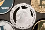 """Dogecoin: le succès inattendu d'une cryptomonnaie """"pour rire"""""""
