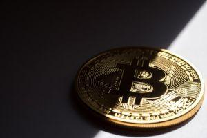 Bitcoin Mass Adoption Would Benefit and Harm Current Economy