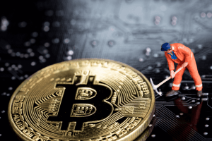Bitcoin Mining Difficulty Drops, While Miners Slow Down BTC Sale