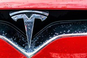 Tesla Starts Accepting Bitcoin In US