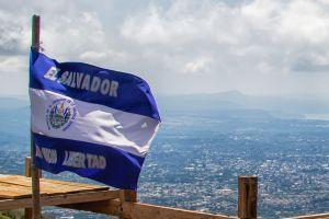Economists Want El Salvador