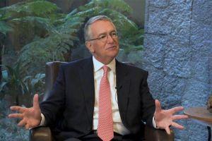 Billionaire Dismisses ETH, DOGE, Backs XMR, ZEC, Says His Bank Will Accept BTC